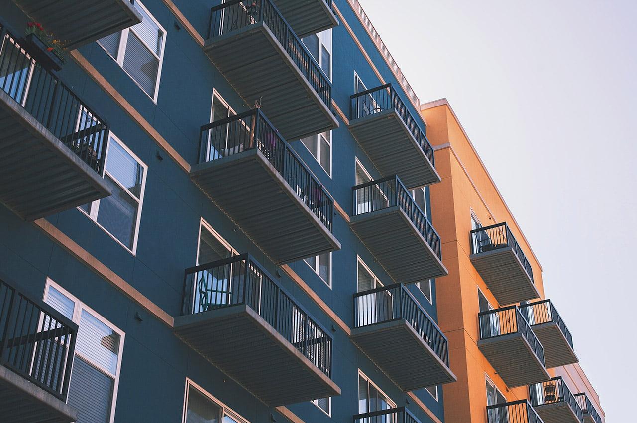 Pand met balkons